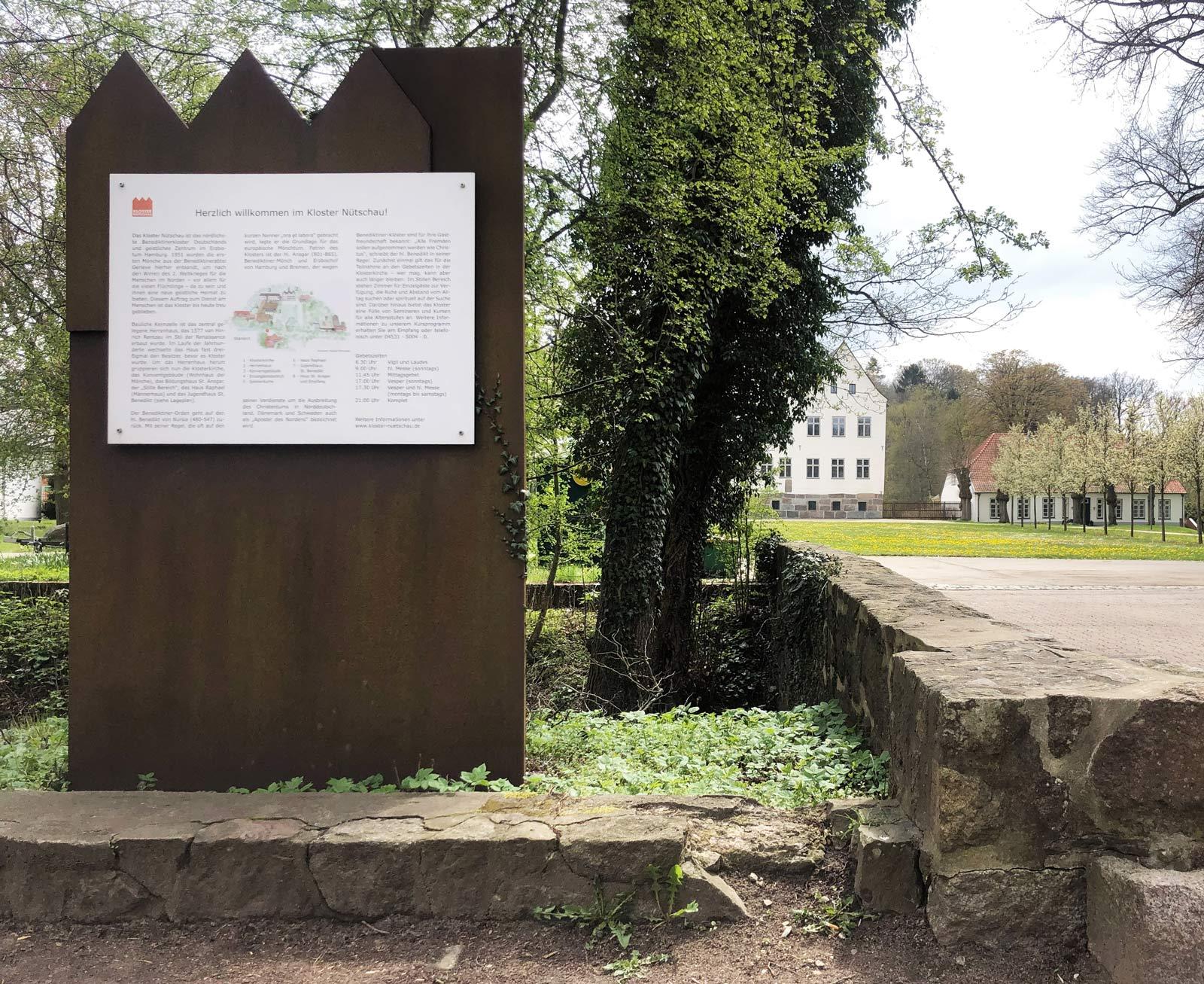 Kloster Nuetschau, Skulptur