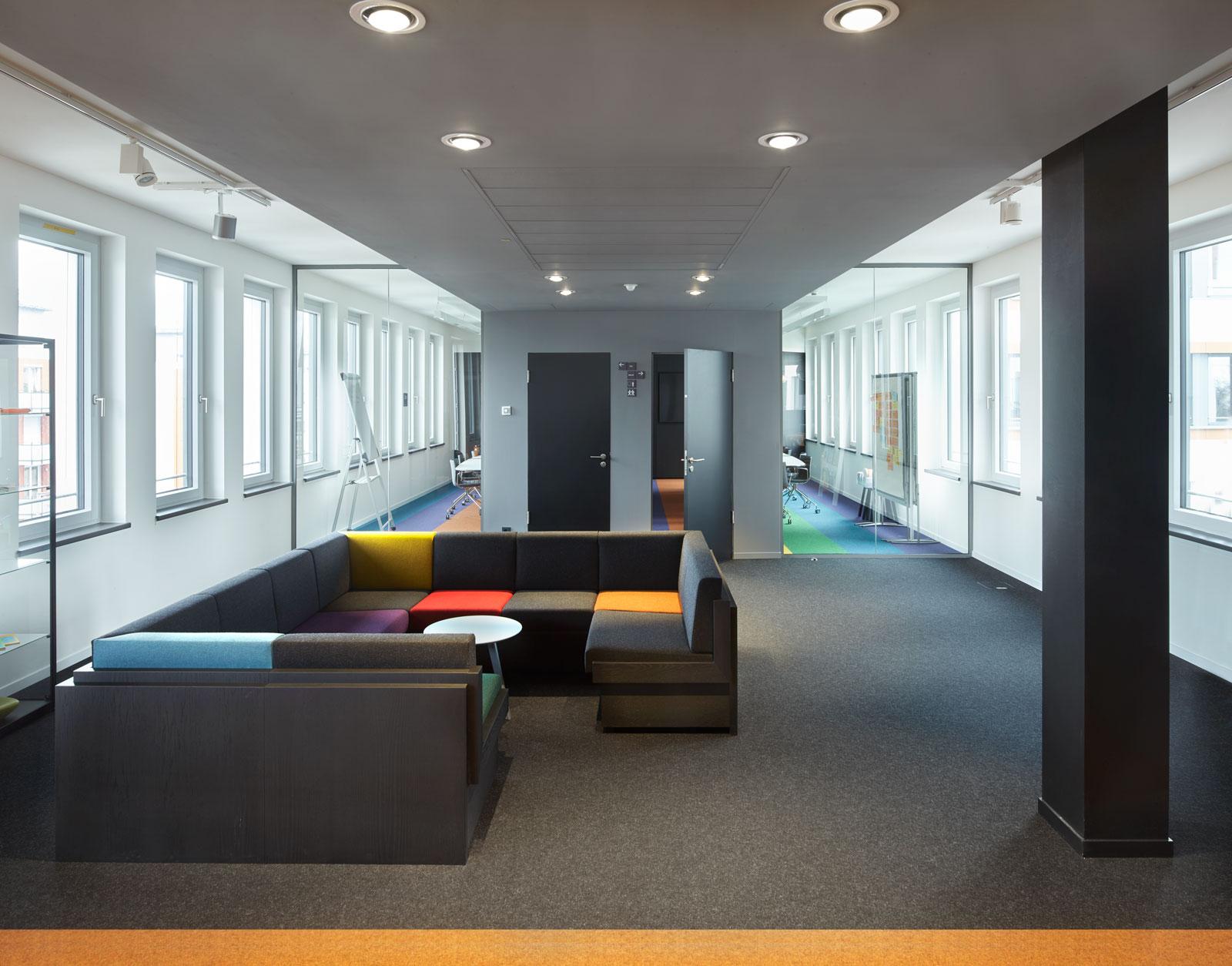 Ole Groenwoldt Muenchen Office Design Interior Konferenzraum